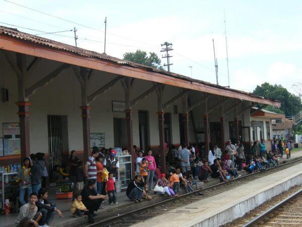 Suasana Stasiun Cicalengka