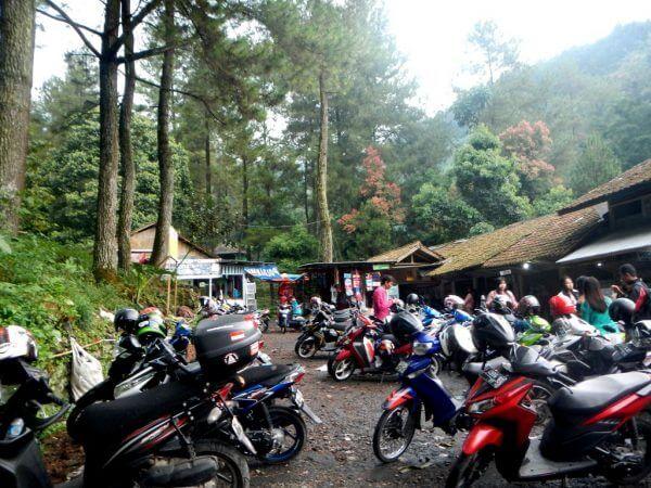 Lokasi Parkir Wana Wisata Curug Nangka